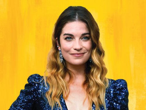 Why Annie Murphy Is One Of Chatelaine's 2020 Women Of The Year