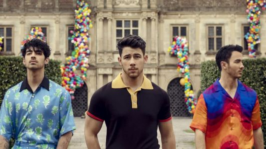 Jonas Brothers reunite for 'Sucker' and it features Priyanka Chopra