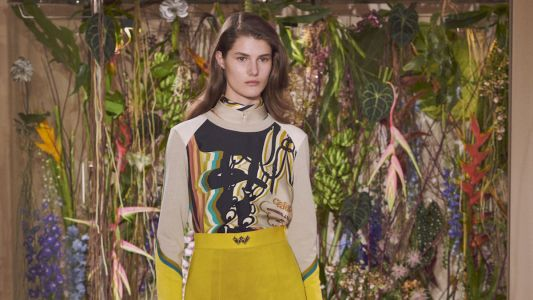Discover a feminine vision of the flâneur with the Hermès Pre-Fall 2019 collection