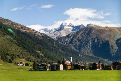 The Most Scenic Train Trips in the Alps