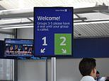 United Airlines cuts its boarding gate queues from five to two