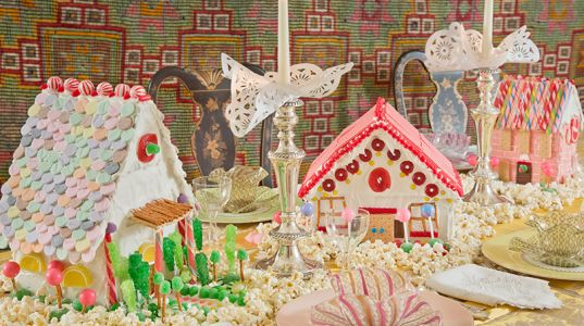 12 Gorgeous Gingerbread Houses Around America