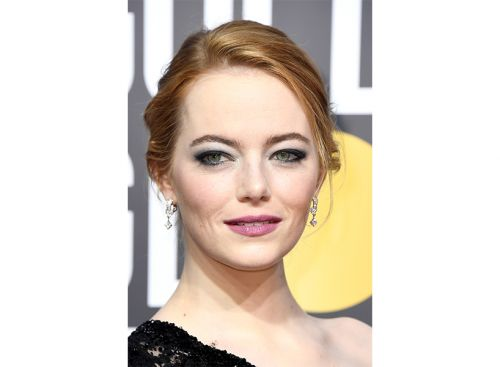 How Emma Stone's Golden Globes Makeup Subtly Supported Time's Up