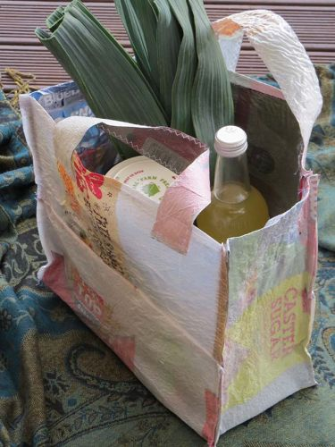 DIY project: Make your own fused-plastic tote bag