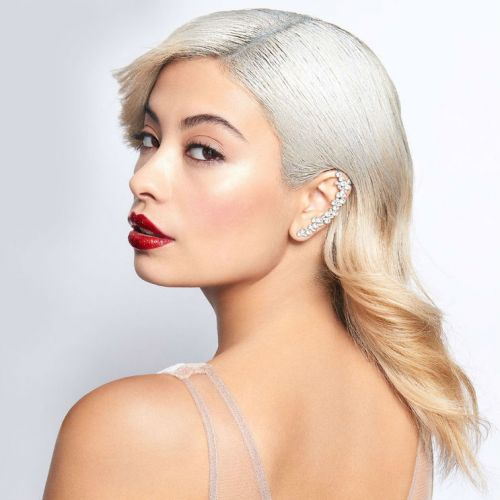 3 Over-the-Top Beauty Looks That Are Perfect For Holiday Parties