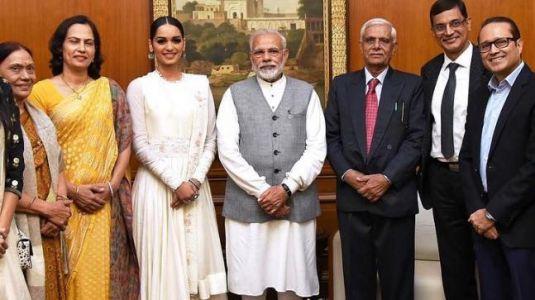 Manushi Chhillar wishes PM Narendra Modi happy birthday with adorable post