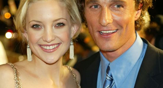 Great Outfits in Fashion History: Kate Hudson Is a Pink Velvet Art Deco Dream