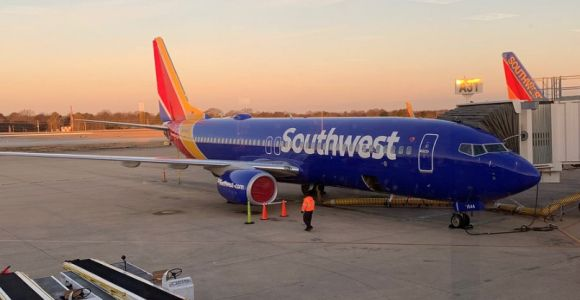 Southwest reduces aircraft cleaning between flights, focusing on tray tables over seat belts