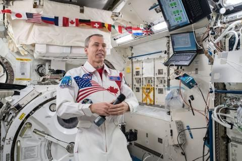 Ground control to Commander Feustel