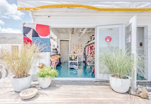 CONCEPT PLAYA IS SEEKING A RETAIL ASSOCIATE IN THE HAMPTONS, NY
