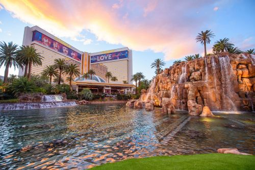 MGM Resorts to reopen another Las Vegas hotel in time for Labor Day: The Mirage