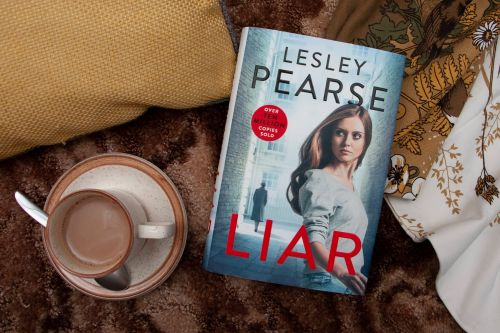 Read a free extract of Lesley Pearse's Liar