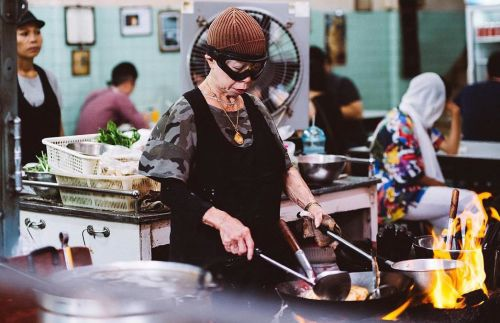 These pictures will tell you why Jay Fai is the queen of Bangkok's Street Food