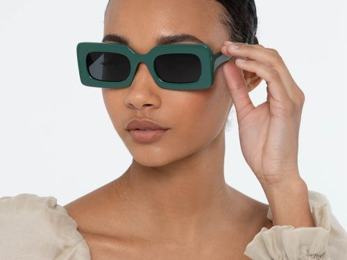21 Cute Pairs Of Sunglasses To Wear Into The Fall