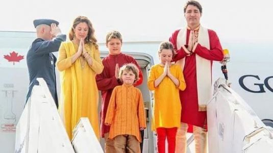 Justin Trudeau and family wear colour-coordinated desi attires for Ahmedabad visit