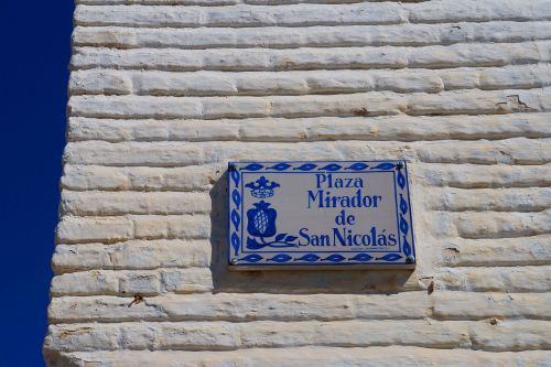 The kindness of strangers: A day-gone-wrong in Granada