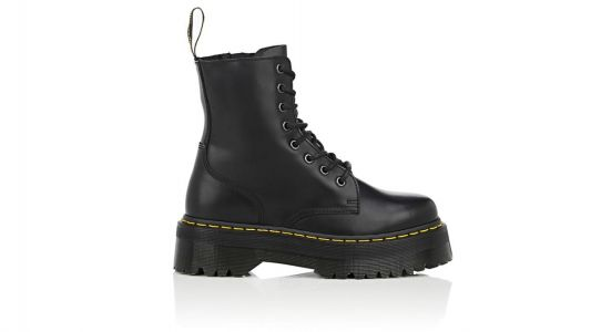Can Maria Pull Off These Extremely Chunky Combat Boots?