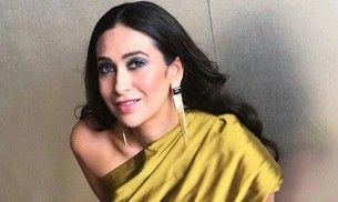 Karisma Kapoor in this gold outfit will make your eyes hurt