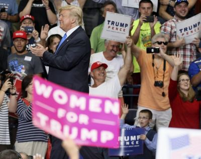 Youngstown crowd cheers for President Trump like rock star