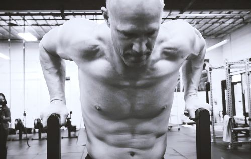 This 10-Minute Circuit Practically Guarantees a Ripped Upper-Body