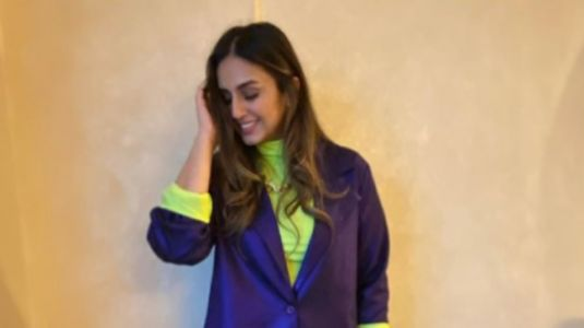 Huma Qureshi does yoga at 5am in Glasgow. Inspires us to exercise and stay fit