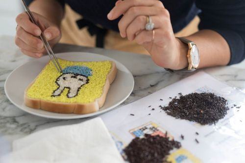 There's a pop-up which serves sprinkles on bread because apparently they're Dutch
