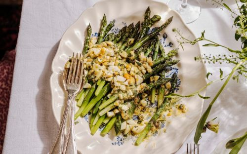 Easy asparagus with egg vinaigrette recipe