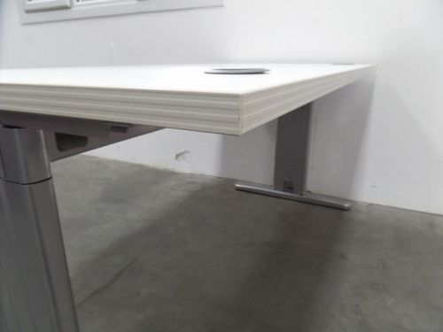 19 Fresh Desk with Built In Cable Management Pictures