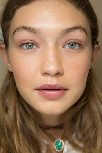 How To: Switch up your beauty look for autumn