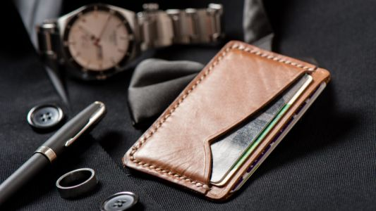 Time to up your style game with these slim leather wallets for men
