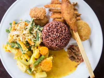 9 New Vegan and Vegetarian Restaurants in Ubud, Bali (2017)