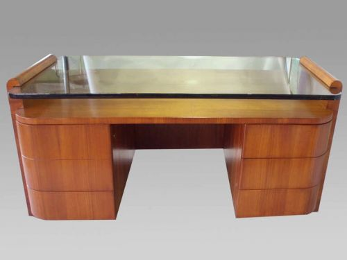 30 Luxury Glass and Wood Desk Images