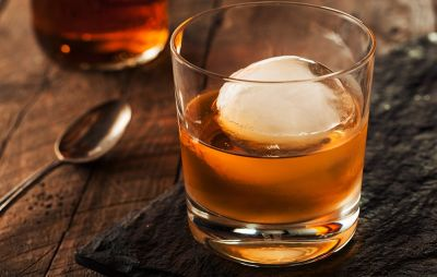 You Should Be Drinking Your Whiskey on the Rocks, Experts Say