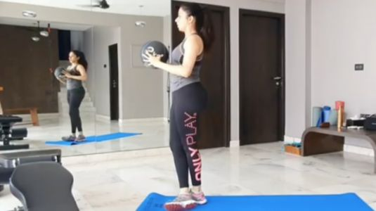 Bhagyashree's new workout video has a motivational message. Do not miss