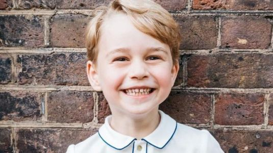Prince William and Kate celebrate Prince George's fifth birthday with official portrait