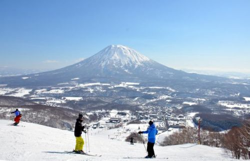 5 Japanese ski resorts you must not miss this winter