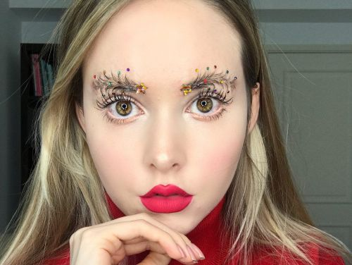 Christmas tree brows are the festive beauty trend you need this month