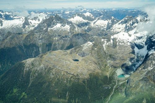 Queenstown to Milford Sound Scenic Flight: The Most Beautiful Half-Day Trip in New Zealand