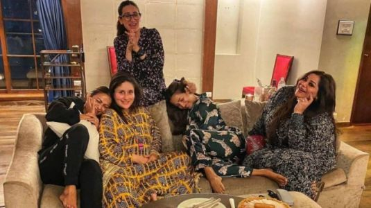 Pregnant Kareena Kapoor repeats Rs 12k printed kaftan dress for girl-gang pyjama party