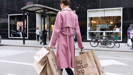Bloomingdale's offers a one-stop shop with free shipping to Hong Kong