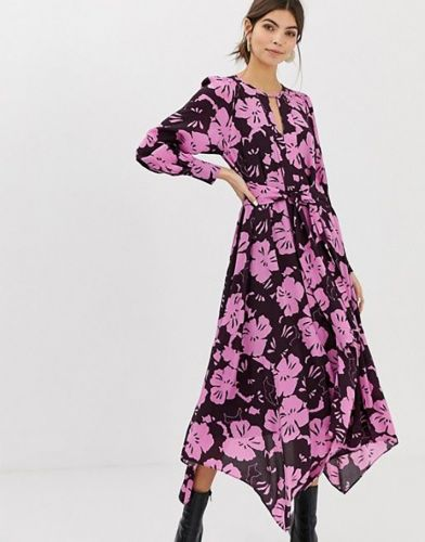 51 Date Night Dresses You'd Look Stunning in This Valentine's Day