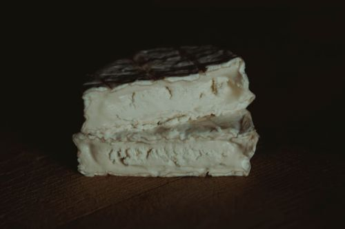 Goat's cheese for beginners: Food and wine matches for chevre and blue goat's cheese