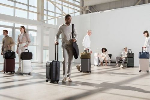 Mens Style Guide to Dressing for the Airport Runway