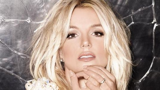 Britney Spears has a wardrobe malfunction and then handles it like a boss