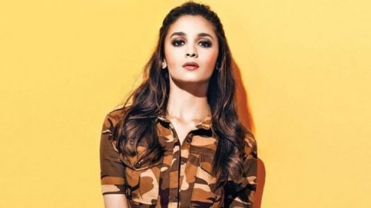 Alia Bhatt deadlifting 60 kgs at the gym is workout goals. Watch video