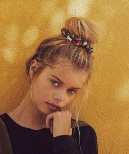 The Scrunchie Is Officially Stylish Again