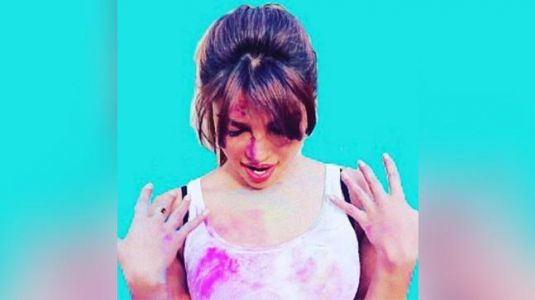 Wear the right lingerie while celebrating Holi
