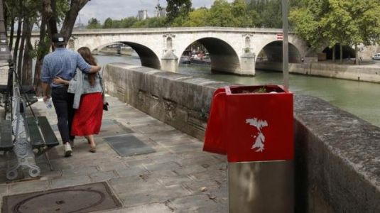 Paris installs eco-friendly urinals and residents are shocked beyond words