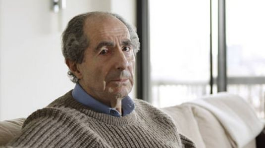 Popular novelist Philip Roth dies at 85