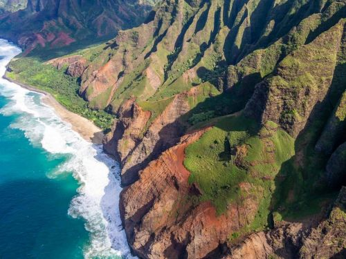 A Doors Off Helicopter Kauai Tour: Is It Worth it?